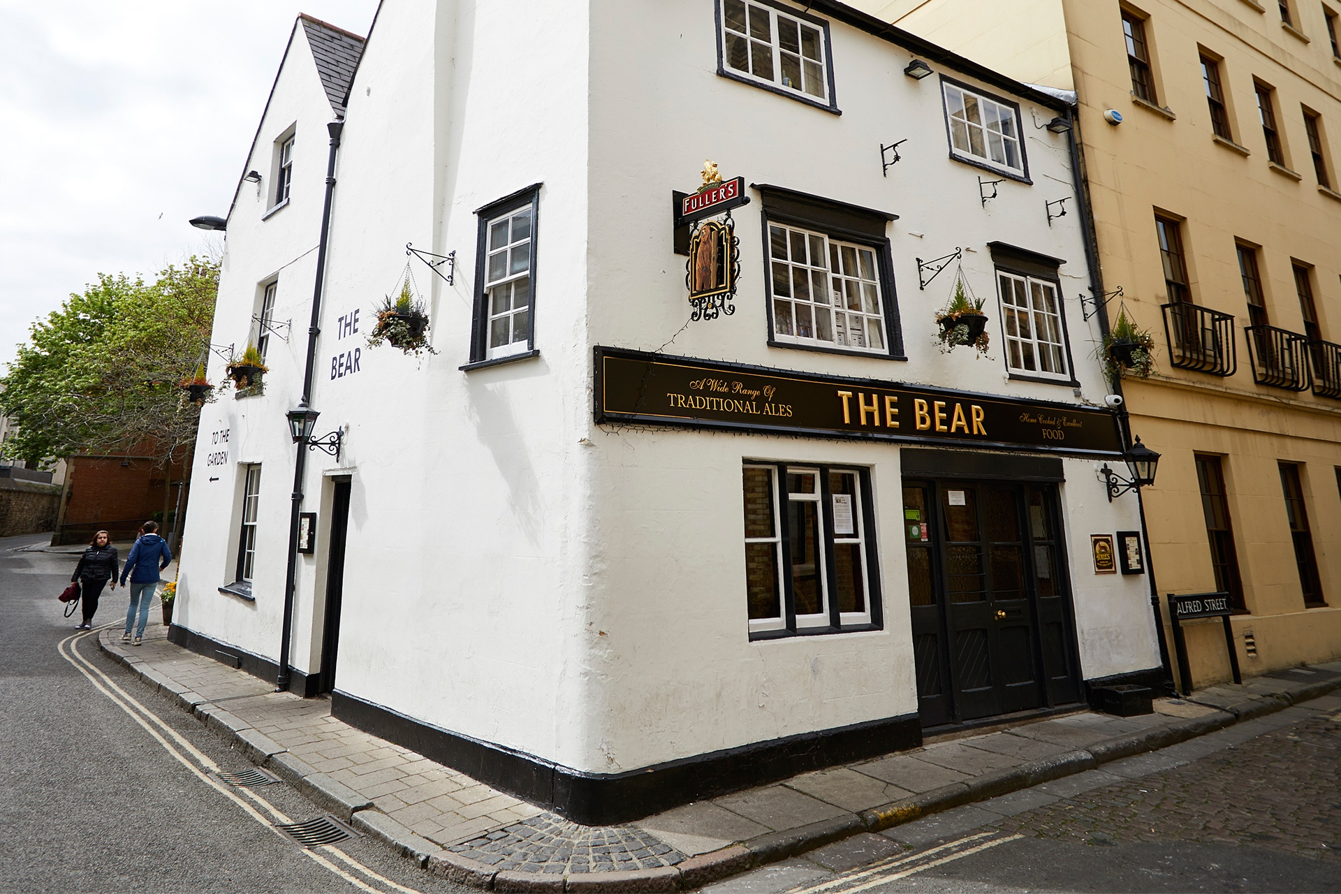 The Bear Inn - Fuller's Pub and Restaurant in Oxford